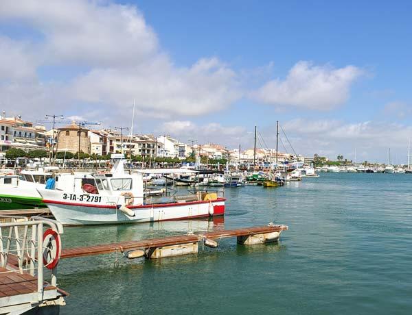 Vista de Cambrils desde el puerto
