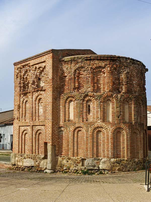 Ábside de la Ermita de los Milagros en Talamanca de Jarama
