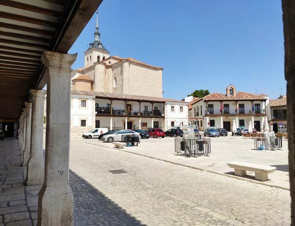 Plaza Mayor de Colmenar de Oreja y soportales