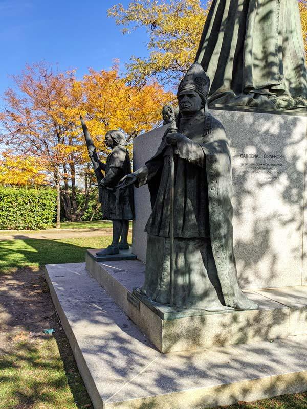 Estatuas en el parque histórico de Navalcarnero