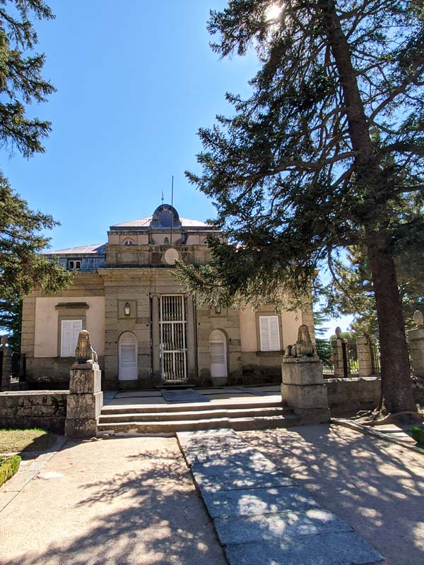 Fachada principal de la Casita del Infante, en San Lorenzo del Escorial
