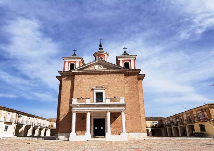 Iglesia en el Cortijo de San Isidro
