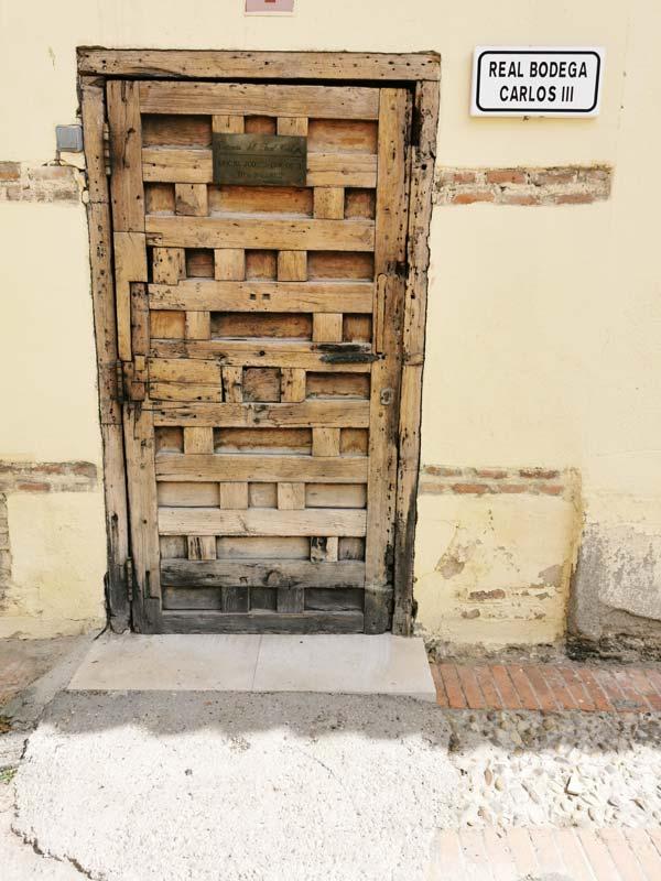 Antigua puerta en el Cortijo de San Isidro