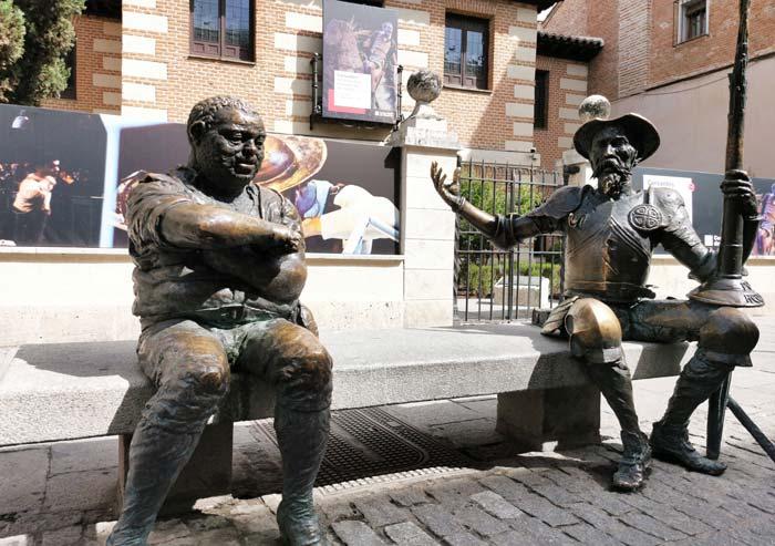 Estatua de Quijote y Sancho en Alcalá de Henares