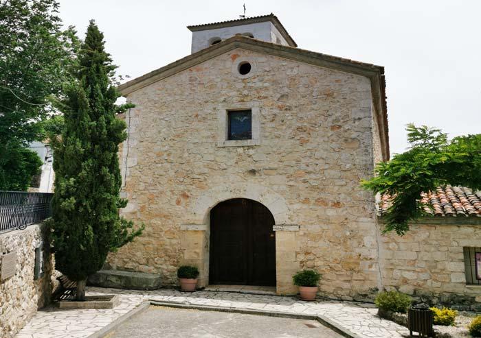 Fachada de la Iglesia de San Pedro, en Olmeda de las Fuentes