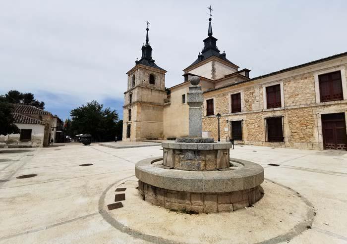 Fuente y Plaza en Nuevo Baztán